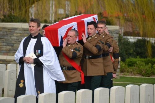 Mesen: Reburial Messines Ridge British Cemetery (Frank Mahieu) - 19/03