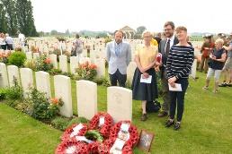 Passendale: Rededication Capt.Kington Tyne Cot Cemetery (Frank Mahieu) - 19/06