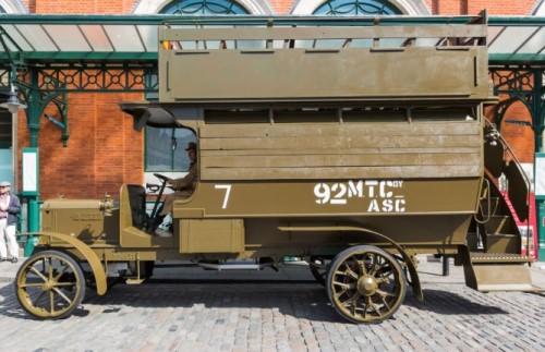 """WOI """"Battle Bus' tentoongesteld in Poperinge, Ieper en Zonnebeke"""