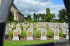 Wandeling op de militaire begraafplaats van Oeren
